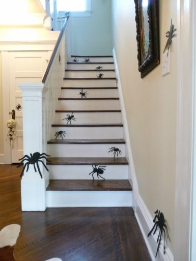 Super Easy, No Conniption Halloween Decorating