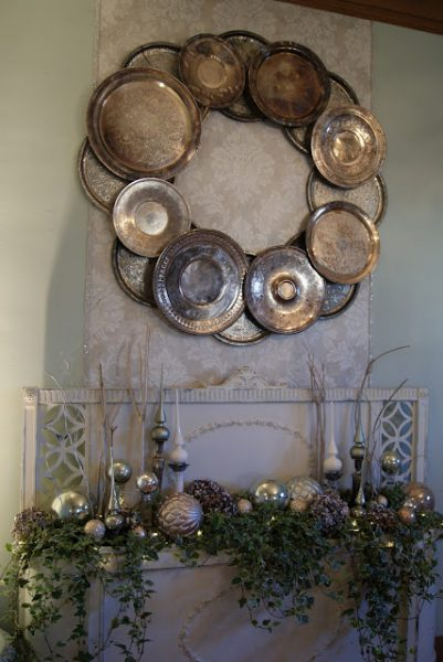 Top 10 Christmas Wreath Ideas - including this silver platter wreath! kellyelko.com