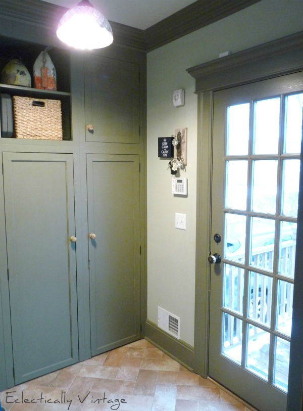 Stunning mudroom - great ideas for storage in a small space kellyelko.com