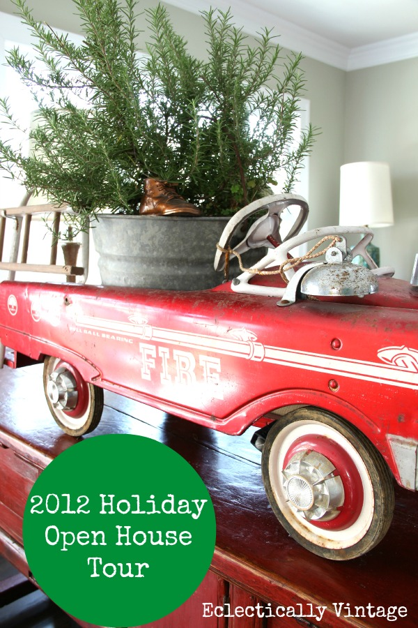 Christmas House Tour - filled with tons of fabulous vintage and DIY unusual decorating ideas! kellyelko.com