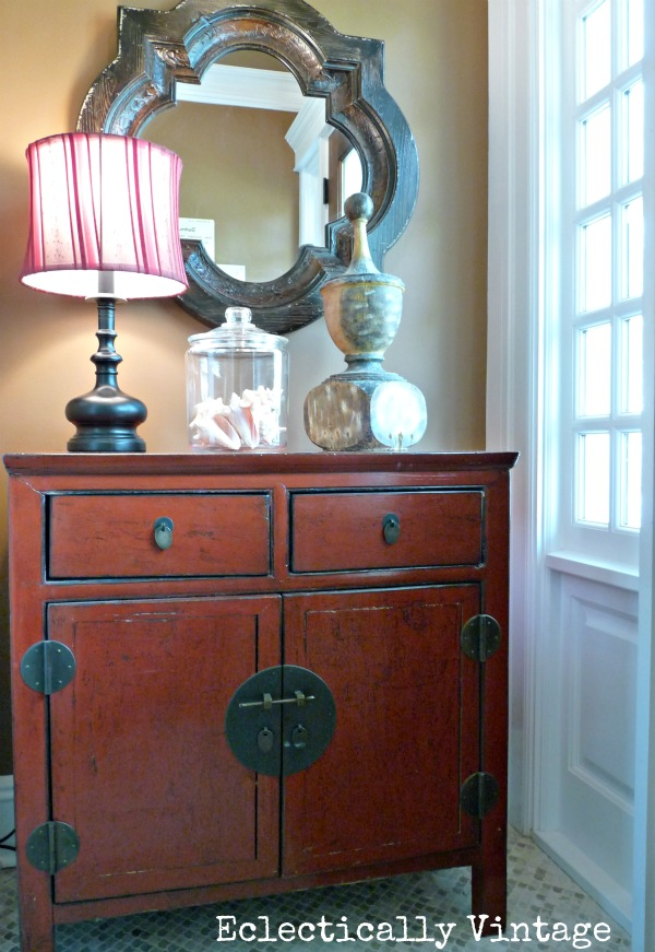 Small space entry - love the dramatic color kellyelko.com