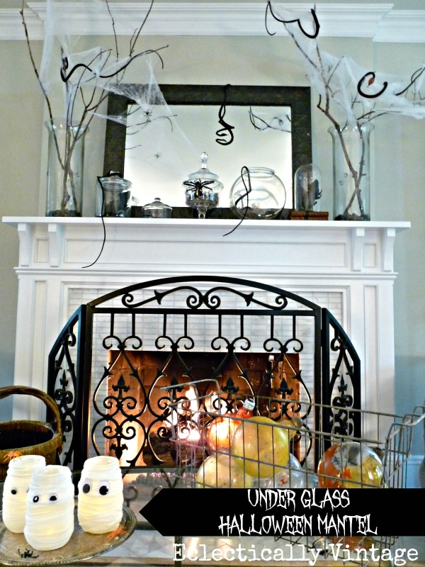 Halloween House Tour - tons of fabulous decorating ideas including this mantel kellyelko.com