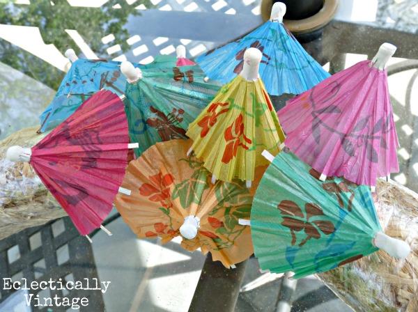 See how to make a fun summer wreath!  kellyelko.com