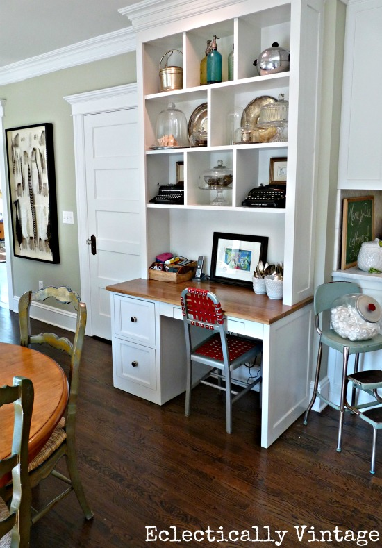Built in desk - love the cubbies kellyelko.com