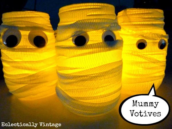 DIY Halloween Mummy Candle Holders kellyelko.com #halloween #halloweencrafts #fallcrafts #kidscrafts #crafts #diyideas #mummy #halloweenparty