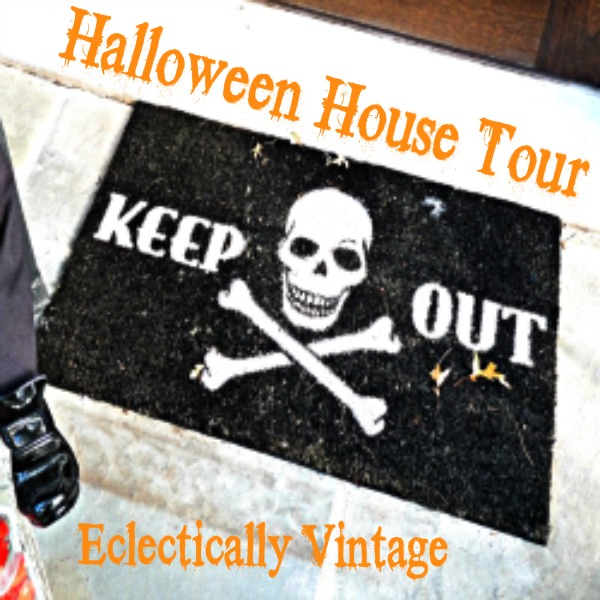Halloween House Tour - tons of creative #Halloween decorations!  kellyelko.com
