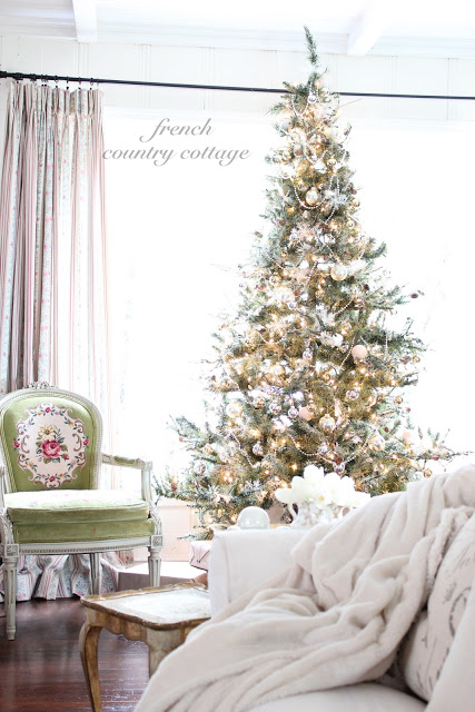 Stunning Christmas tree - part of this Christmas house tour