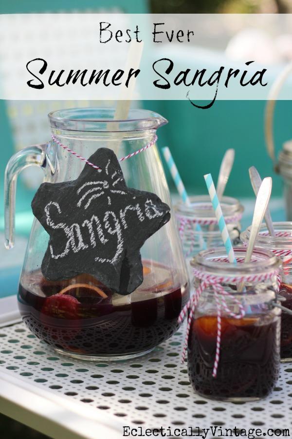 Best Summer Sangria kellyelko.com #sangria #recipes #cocktails #cocktailrecipes #summerrecipes