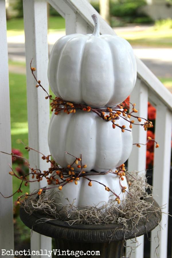 DIY pumpkin topiary with cheap plastic pumpkins! kellyelko.com