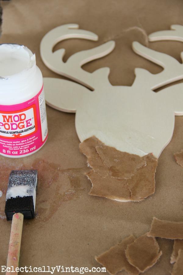 Make your own sparkly reindeer craft #ModPodgeHoliday kellyelko.com