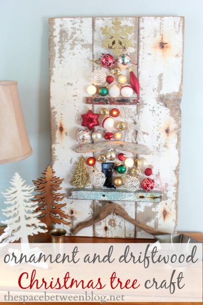 Driftwood & ornament Christmas tree