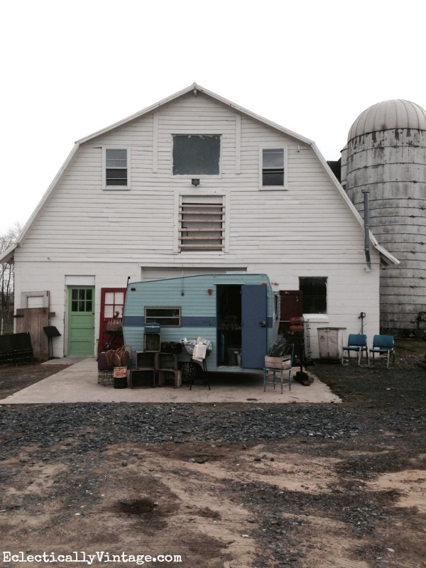Sweet Clover Barn Frederick MD - a vintage lover's paradise! kellyelko.com