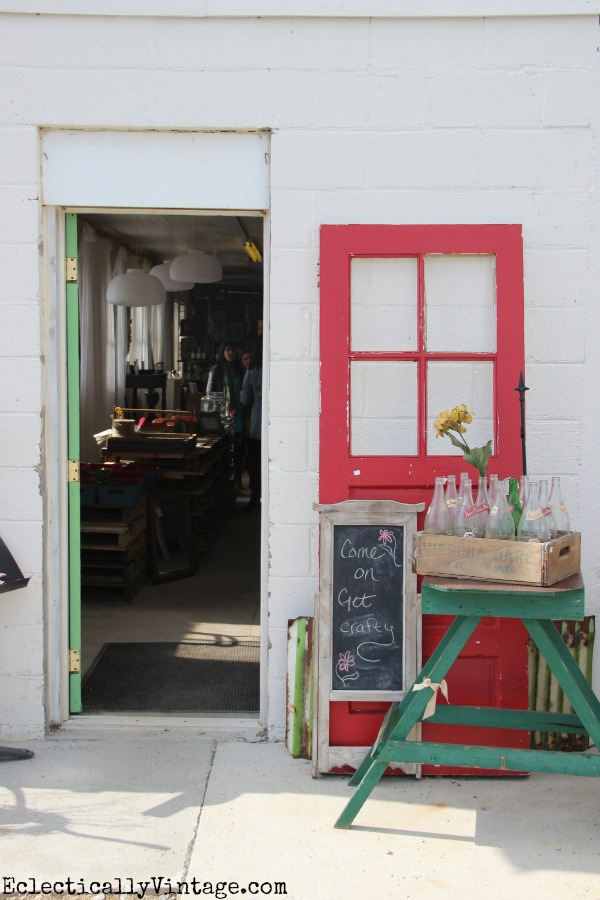 Sweet Clover Barn in Frederick MD - a vintage lover's paradise! kellyelko.com