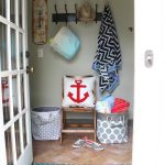 Cute summer mudroom kellyelko.com