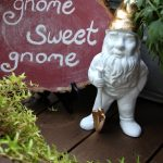 Make a chalkboard log slice and gilded gnome! kellyelko.com