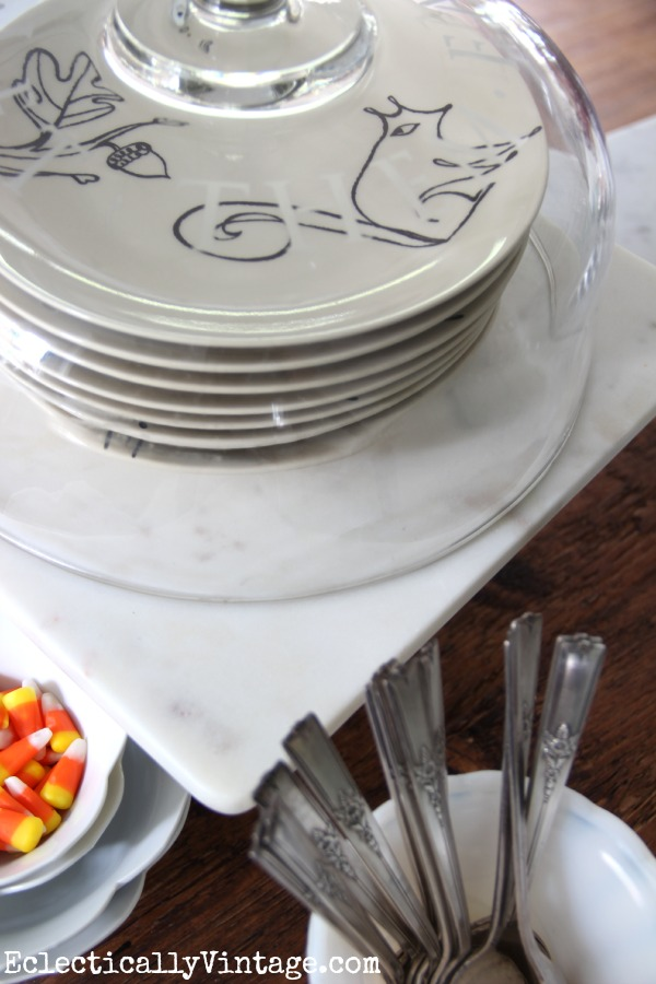 Display your favorite plates under a cake dome kellyelko.com #EclecticallyFall