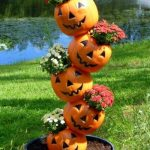 8 Creative Ideas for Cheap Plastic Pumpkin Pails kellyelko.com