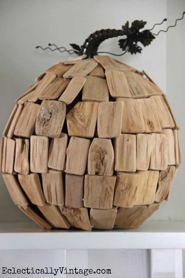 How cute is this driftwood pumpkin! kellyelko.com