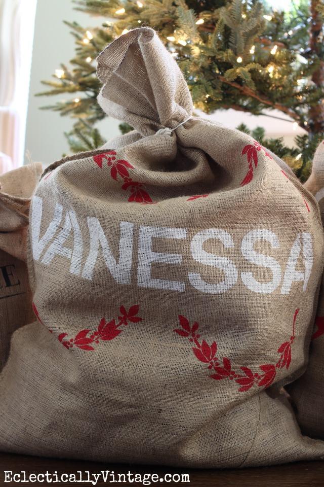 Make a personzlied grain sack - perfect as a Christmas Santa sack - love the garland stencil kellyelko.com