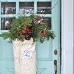Santa Sack Wreath - great idea in the Creatively Christmas book by Jen Rizzo kellyelko.com