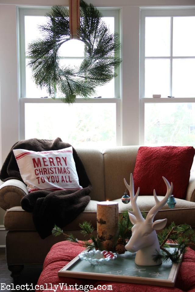 Love this gorgeous Christmas wreath - it's so unique! kellyelko.com