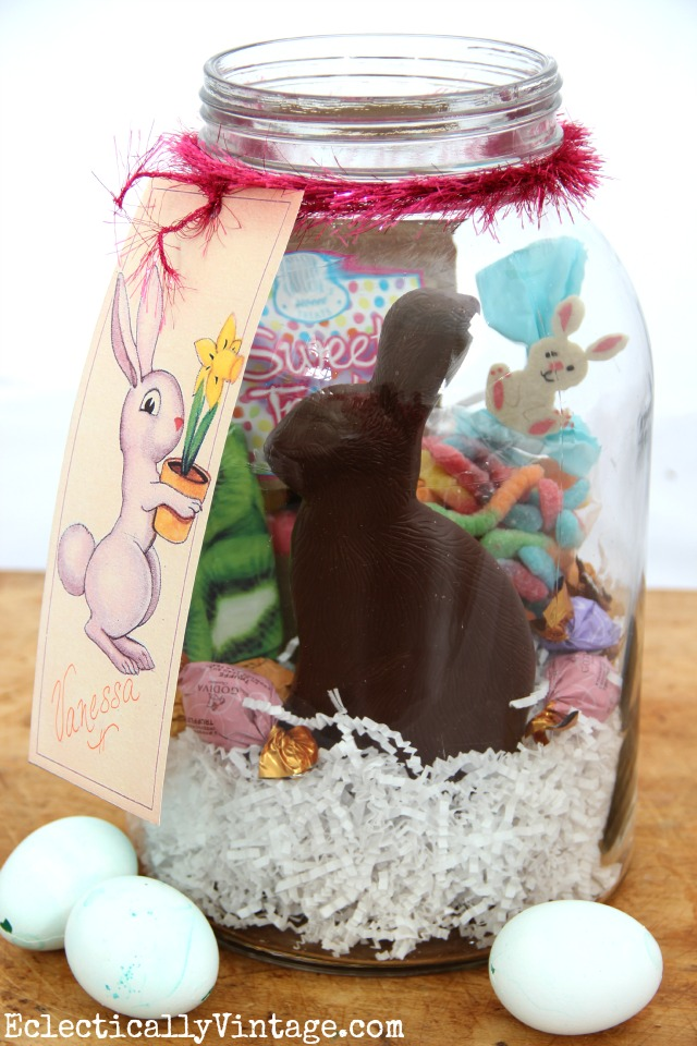 Easter in a Jar - make these, add candy and a ribbon and top with this FREE Easter Bunny Gift Tag printable! kellyelko.com