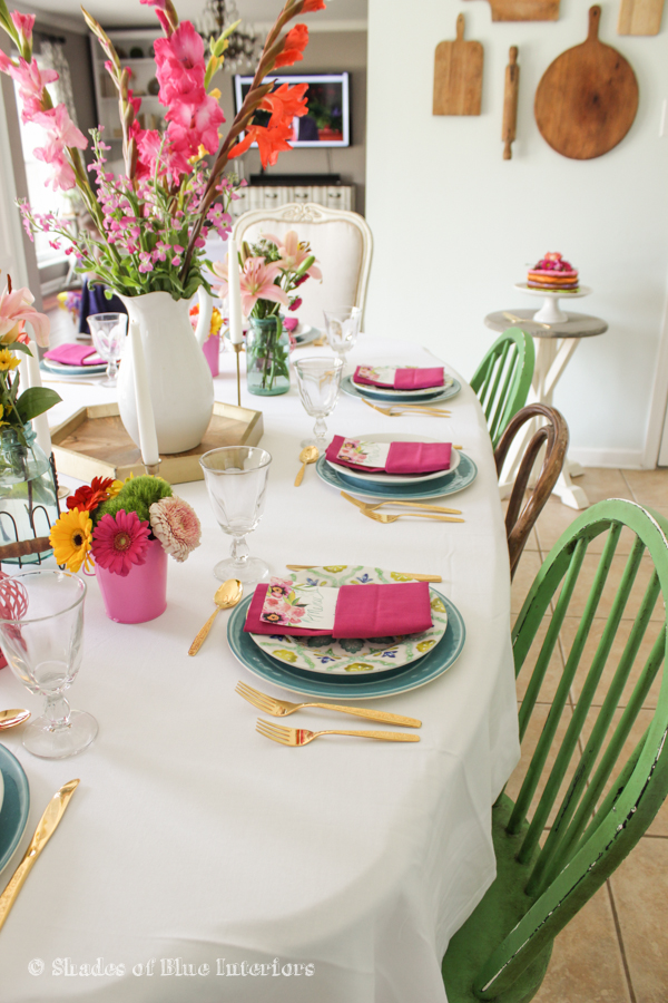 Spring tablescape - love the bright colors kellyelko.com