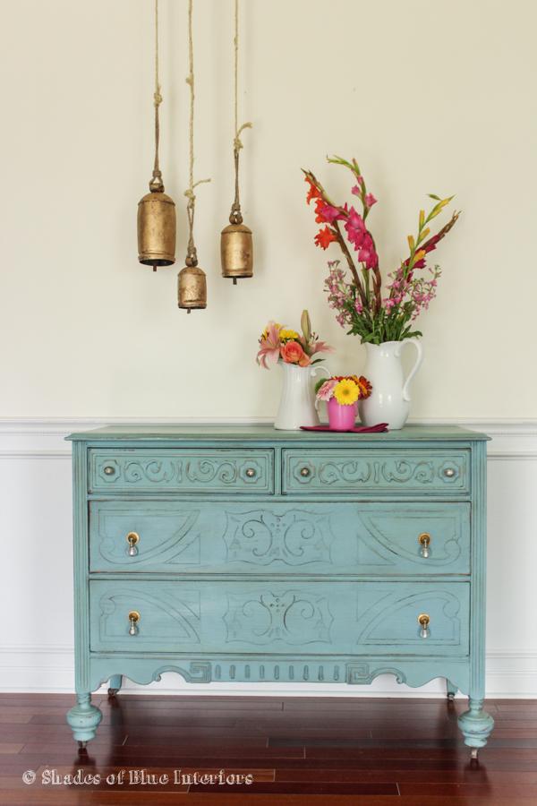 Vintage dresser updated with blue kellyelko.com