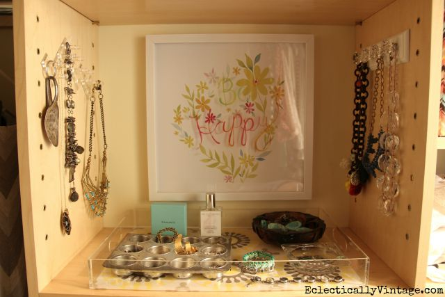 Create a jewelry organization station in your closet kellyelko.com