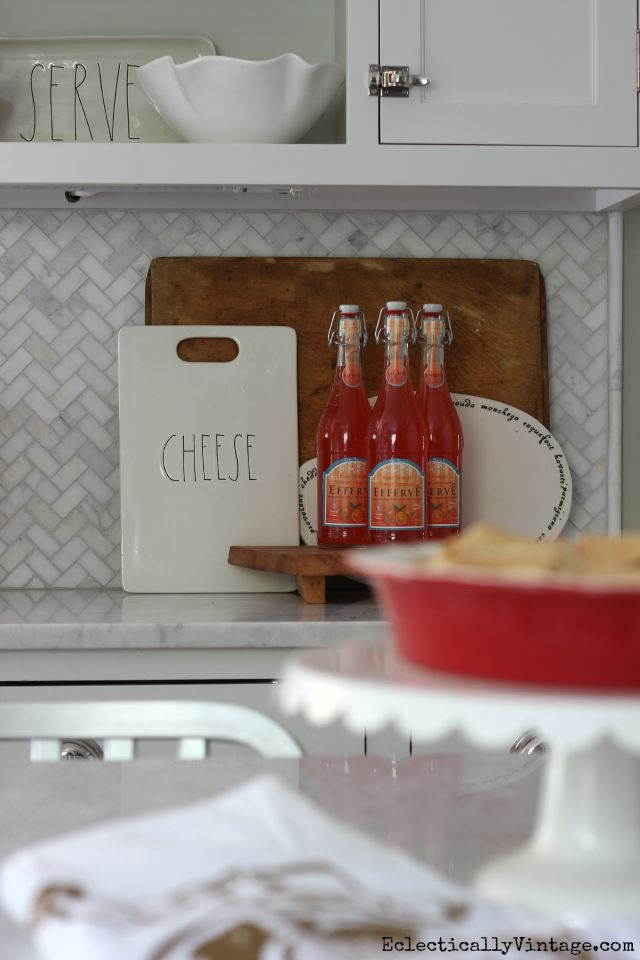 Love the cutting board and cheese board display kellyelko.com