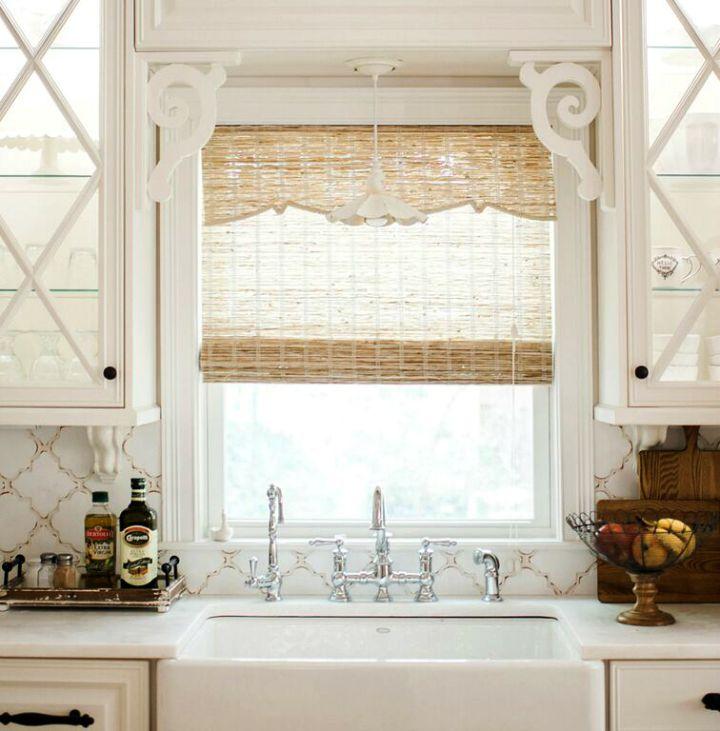 Farmhouse sink and beautiful chrome faucet