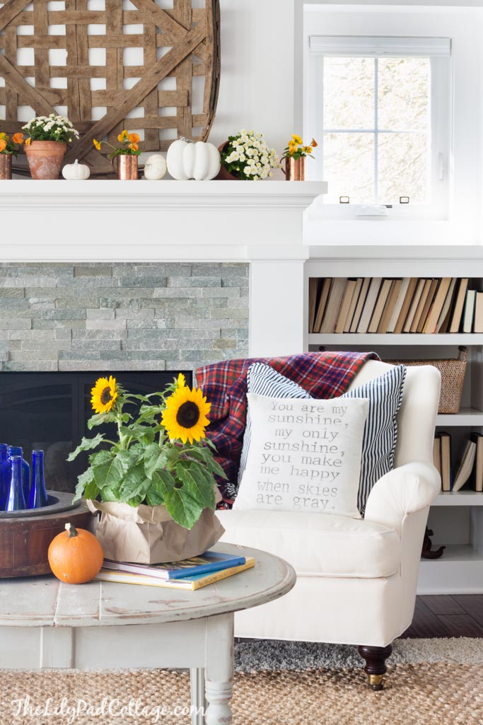 Fall mantel with tobacco basket
