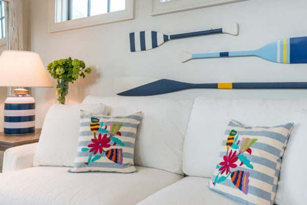 Oars as art - part of this full coastal home tour kellyelko.com