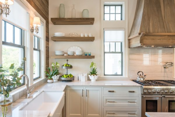 Love the open shelves in this gorgeous white kitchen - take the full home tour kellyelko.com
