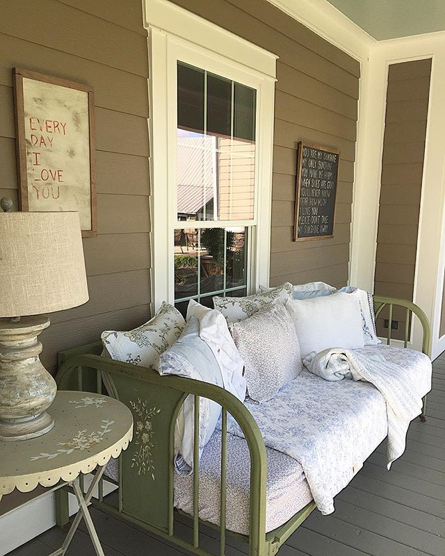 Love the daybed on the porch kellyelko.com