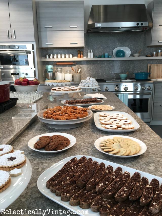 So many Christmas cookies! kellyelko.com