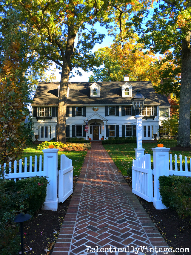 Classic old home with a white picket fence kellyelko.com #oldhome #oldhouse #curbappeal #picketfence #architecture #dreamhouse #dreamhome #kellyelko