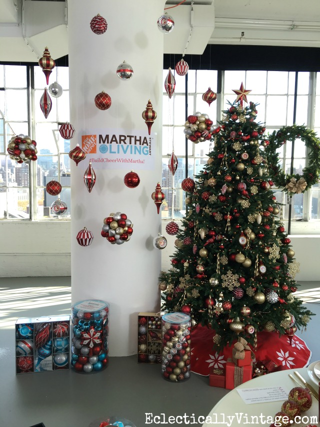 Martha Stewart Christmas decor - tons of great DIY decorating ideas! kellyelko.com