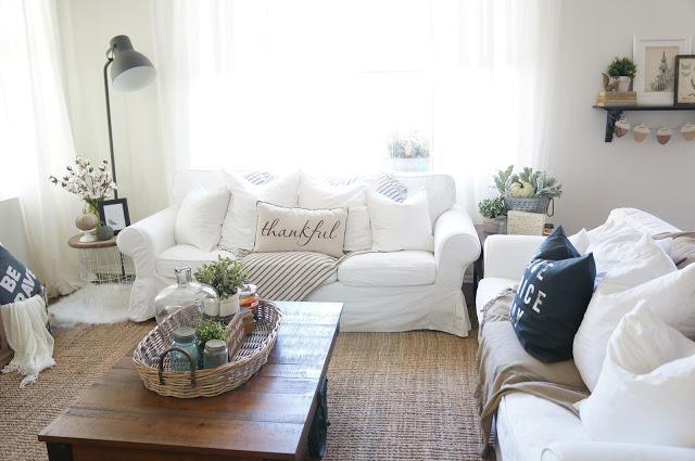 slipcovered-sofa-white