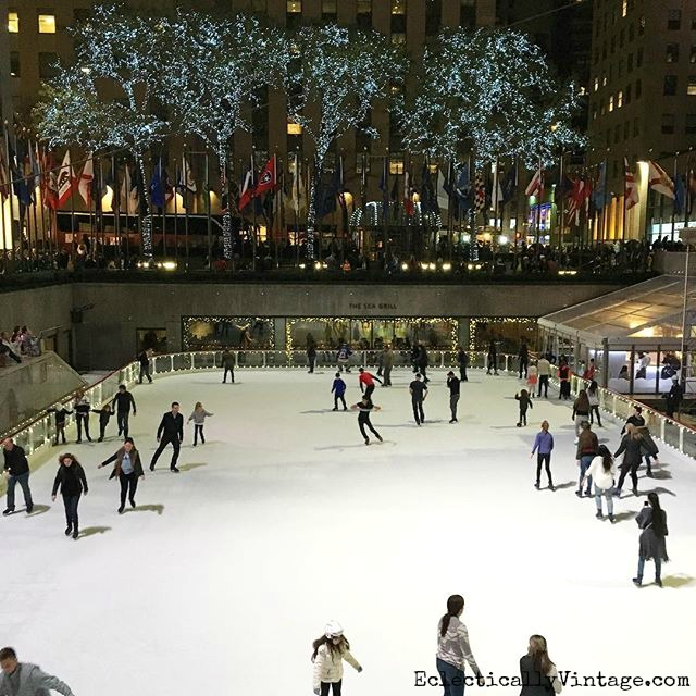 Christmas in New York - ice skating at Rockefeller Center kellyelko.com