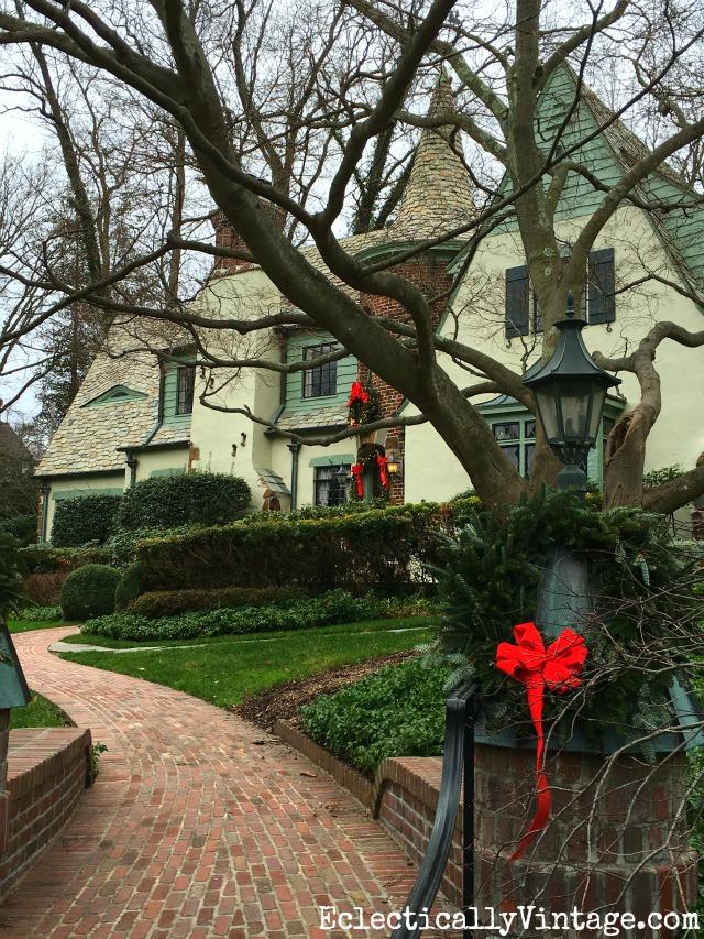 Tudor Christmas house kellyelko.com