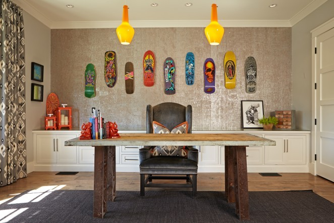 How fun is this wall of skateboards - the perfect art installation kellyelko.com