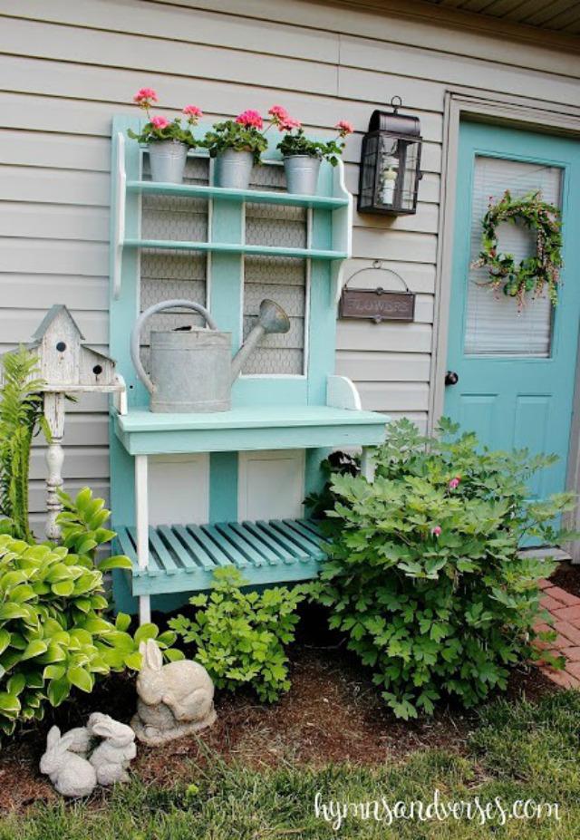 Love this fun blue potting bench kellyelko.com