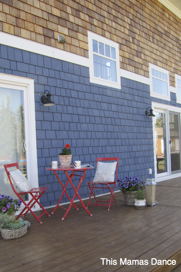 Two toned shingles - love the mix of natural wood and blue paint kellyelko.com