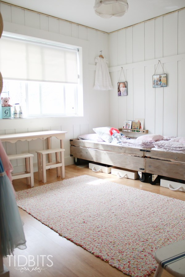 Cute little girls room - love the little wood rolling beds kellyelko.com