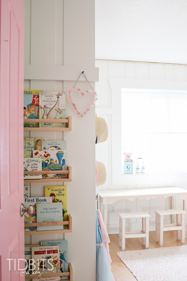 Cute book display for a kids room kellyelko.com
