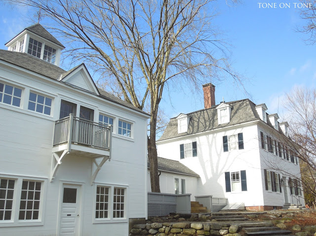 Historic Maine coastal home complete with barn and breezeway - take the tour kellyelko.com