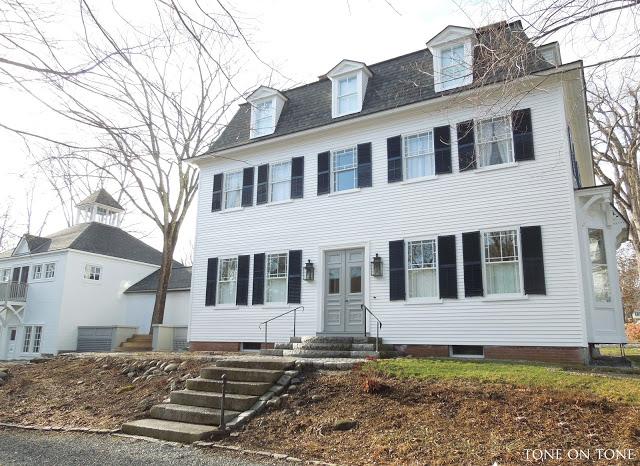 Tour this historic Maine home kellyelko.com