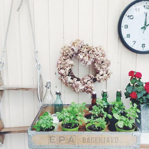 Crate planter kellyelko.com