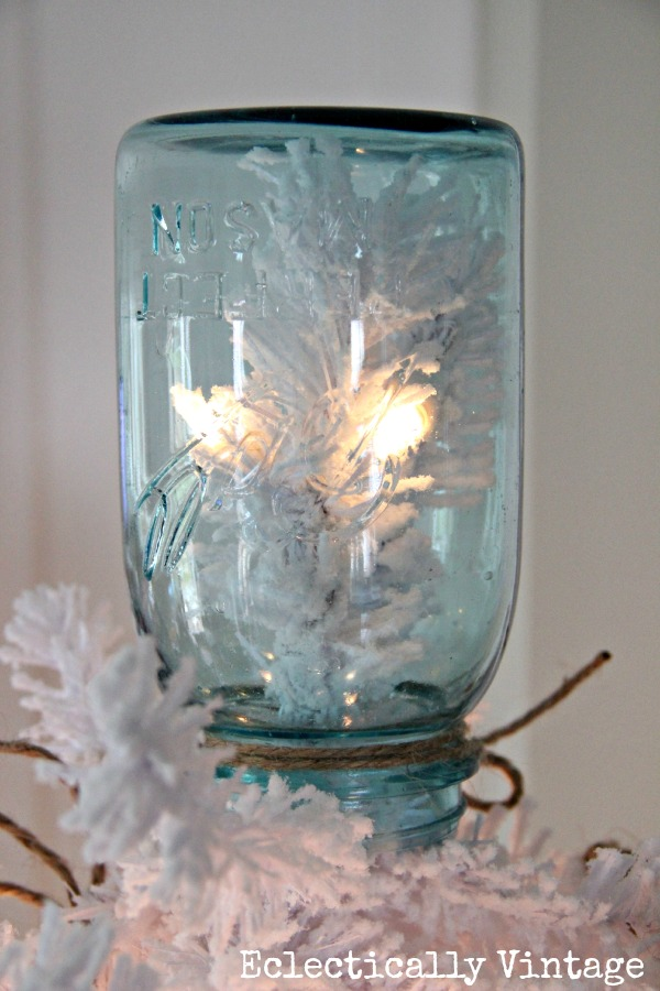 Mason jar Christmas tree topper kellyelko.com #masonjar #christmastree #vintagechristmas #farmhousechristmas #kellyelko